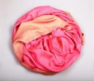 Beige och rosa kaschmirhalsduk Arkivfoton