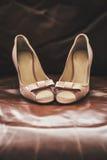 Beige schoenen Stock Foto's