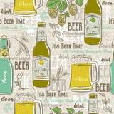 Beige seamless patterns with set of beer bottle, mug, hop Royalty Free Stock Images