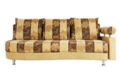 Beige Sofa getrennt auf weißem Hintergrund Lizenzfreie Stockfotos