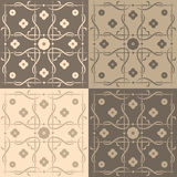 Beige und braune quadratische Fliesen Stockbilder