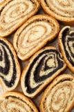 Beigli - Hongaarse van de papaverzaad en okkernoot broodjes Royalty-vrije Stock Afbeeldingen
