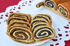 Beigli - rollos tradicionales de la semilla y de la nuez de amapola Imagen de archivo libre de regalías