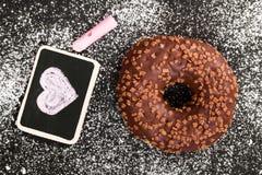 Beignet avec du chocolat Image libre de droits