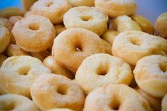 Beignet avec du sucre Photographie stock libre de droits