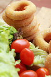Beignet et sucre - salade de légume frais. Image libre de droits