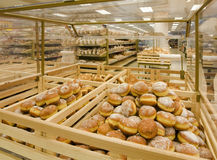 Beignets dans une épicerie Photos stock