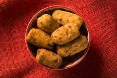 Beignets de morue, tapas espagnols traditionnels Bunuelos de Bacalao Images stock