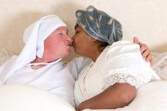 Beijando a boa noite Imagem de Stock Royalty Free
