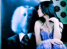 Beijando a mulher Imagem de Stock Royalty Free