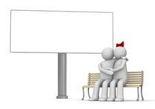 Beijando o homem e a mulher em um banco com copyspace Fotografia de Stock Royalty Free