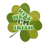 Beije-me o irlandês Im - projete com trevo celebração do dia do St Patricks Imagens de Stock Royalty Free