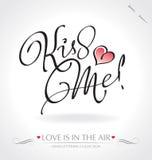 ?Beije-me? a rotulação da mão () Imagens de Stock Royalty Free