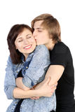 Beijo bonito caucasiano novo dos pares Imagens de Stock