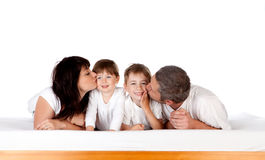 Beijo da família Fotografia de Stock Royalty Free
