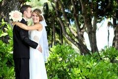 Beijo do cavalheiro sua mulher Foto de Stock