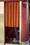 Beijo na cabine da foto Fotos de Stock Royalty Free
