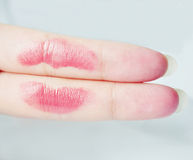 Beijo no dedo Imagem de Stock