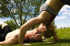 Beijo traseiro da curvatura Imagens de Stock Royalty Free