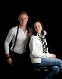 Beiläufige Aufstellung der jungen Paare Lizenzfreies Stockbild