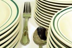 Beiläufiges Essgeschirr und Tafelsilber Stockfotografie
