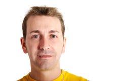 Beiläufiges Mannlächeln Lizenzfreie Stockbilder