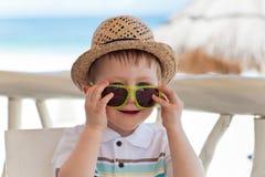 Beiläufiges Portrait eines Kleinkindjungen Stockfotografie