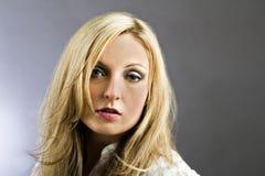 Beiläufiges weibliches Portrait Stockfotos