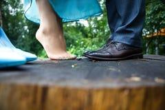 Beine der Frau und des Mannes stockfoto