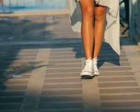 Beine des Mädchens Lizenzfreie Stockbilder
