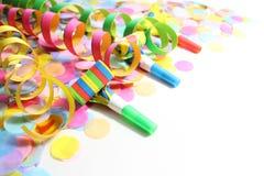 Beira com flâmulas de papel e confettis imagens de stock royalty free