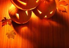 Beira de incandescência das abóboras de Halloween Fotos de Stock Royalty Free