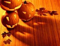 Beira de incandescência das abóboras de Halloween Fotografia de Stock
