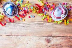 Beira do carnaval colorido do Bavarian ou do Oktoberfest fotos de stock royalty free