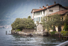 Beira do lago de Iseo Fotografia de Stock Royalty Free