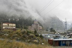 Beira do russo de Geórgia e complexo do monastério de Dariali Imagem de Stock Royalty Free