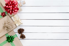 Beira esquerda temático das caixas de presentes do Natal Imagem de Stock Royalty Free