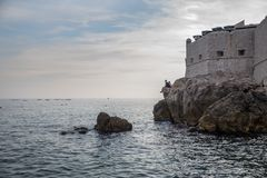 Beira-mar na cidade de Dubrovnik, Croácia foto de stock royalty free