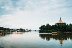 Beira-rio de Kuching fotos de stock