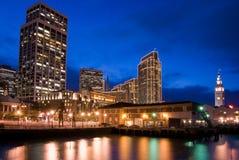 Beira-rio de San Francisco - noite fotos de stock