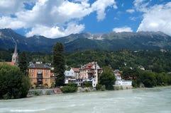 Beira-rio em Innsbruck, Áustria foto de stock