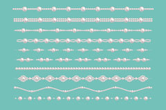 Beiras do encanto da pérola Vector os testes padrões da colar dos acessórios do vintage das pérolas da noiva isolados no verde ilustração do vetor