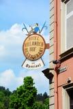Beitrag auf einem Gebäude in der alten Stadt, Heidelberg, Deutschland Stockbilder