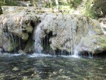 Beiu rzeka przy Cheile Nerei parkiem narodowym, Rumunia zdjęcie royalty free