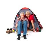 Bejaard paar bij het kampeerterrein Royalty-vrije Stock Fotografie