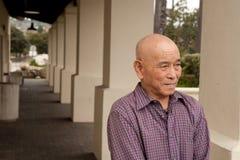 Bejaarde Aziatische mens Royalty-vrije Stock Afbeeldingen