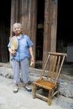 Bejaarde Chinese Dame in Daxu Stock Foto