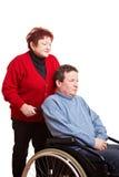 Bejaarde die de haar mens drijft Stock Foto's