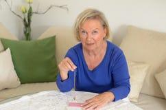 Bejaarde die een slinger slingeren stock afbeelding