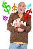 Bejaarde door de Kosten van zijn Geneeskunde wordt overweldigd die Stock Fotografie
